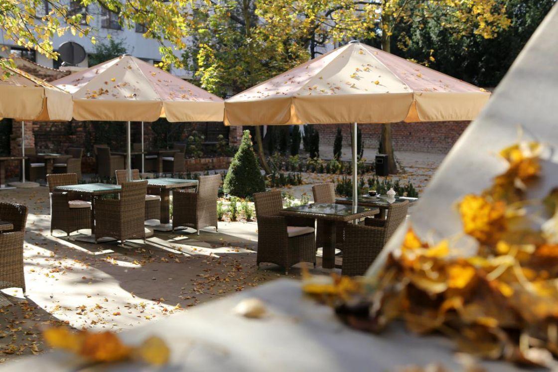 restauracja z ogródkiem